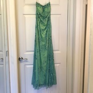 Beautiful beaded gown - size M